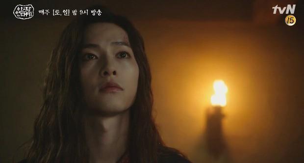 Mặc kệ biến động hôn nhân cùng sự xuất hiện của cameo Nichkhun, Song Joong Ki vẫn một mình cân hai vai cực xịn trong tập 9 Arthdal Niên Sử Kí! - Ảnh 10.