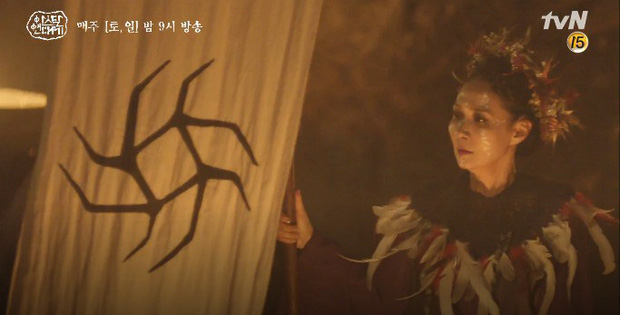 Mặc kệ biến động hôn nhân cùng sự xuất hiện của cameo Nichkhun, Song Joong Ki vẫn một mình cân hai vai cực xịn trong tập 9 Arthdal Niên Sử Kí! - Ảnh 16.