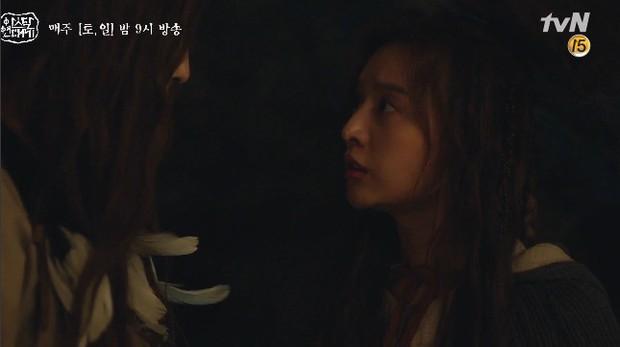 Mặc kệ biến động hôn nhân cùng sự xuất hiện của cameo Nichkhun, Song Joong Ki vẫn một mình cân hai vai cực xịn trong tập 9 Arthdal Niên Sử Kí! - Ảnh 19.