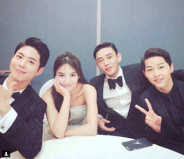 Cậu em đa tài Park Bo Gum có gì trước khi vướng nghi án li gián vợ chồng Song-Song? - Ảnh 13.