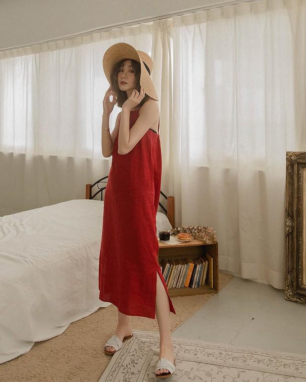Nghe tên đã thấy mát rượi và làm lu mờ mọi khuyết điểm vóc dáng, váy suông chính là item bạn sẽ muốn sắm gấp lúc này - Ảnh 13.