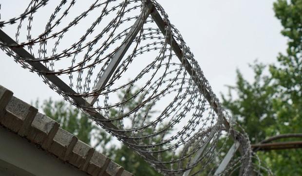Bên trong trung tâm cai nghiện Internet ở Trung Quốc: Trói vào giường và biệt giam là biện pháp thường thấy - Ảnh 4.