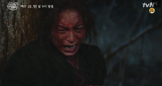 10 khoảnh khắc ấn tượng Arthdal Niên Sử Kí: Kim Ji Won dùng máu nguyền rủa, Song Joong Ki tung twist thay đổi cục diện! - Ảnh 13.