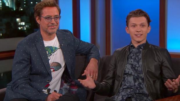 Nhện nhí Tom Holland lại hớ mồm lộ danh tính Cha đỡ đầu Marvel, ai nghe xong cũng bó tay - Ảnh 4.