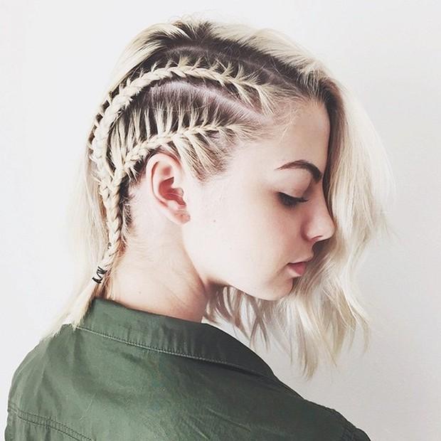 Con gái nên sửa ngay những thói quen buộc tóc kiểu này để ngăn ngừa nguy cơ bị hói như bà già - Ảnh 1.