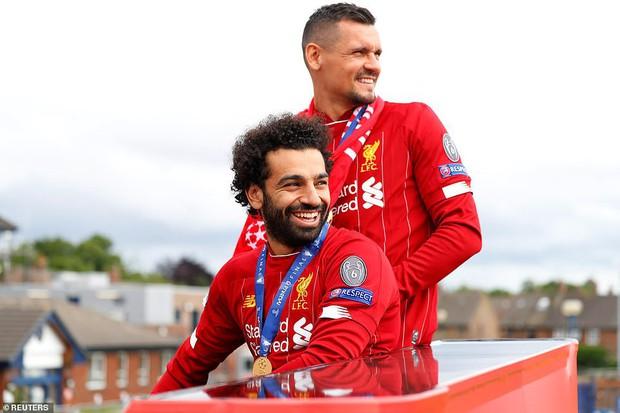 Liverpool rước cúp vô địch Champions League: Biển người nhuộm đỏ thành phố cảng sau 14 năm mòn mỏi chờ đợi - Ảnh 5.