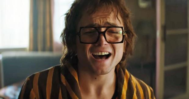 Nga cắt sạch các phân cảnh đồng tính trong Rocketman, mẹ đẻ Elton John liền lên mạng thả phẫn nộ - Ảnh 3.