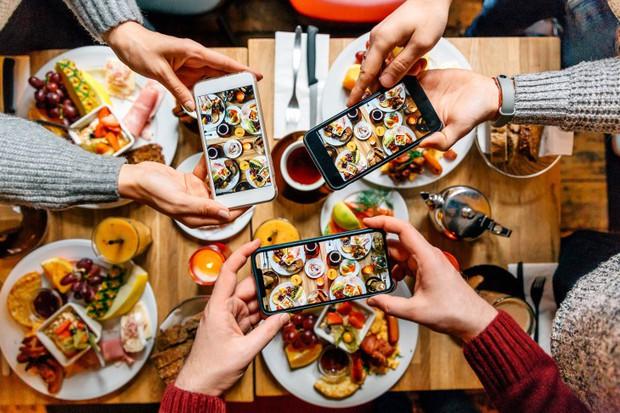 Ăn uống thời 4.0: cầm điện thoại soi vào menu nhà hàng, lập tức hiện lên tất cả review và hình ảnh thực tế - Ảnh 1.