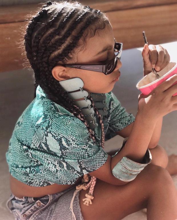 Loạt ảnh chứng minh con gái lớn nhà Kim Kardashian chính là công chúa nhỏ chịu chơi và sang chảnh bậc nhất Hollywood - Ảnh 1.