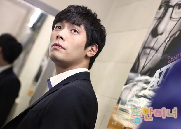 Tuyệt chiêu nâng tầm nhan sắc của mỹ nam Choi Daniel Gia Đình Là Số 1: Chỉ cần chiếc gọng kính và thế là bùm! - Ảnh 7.