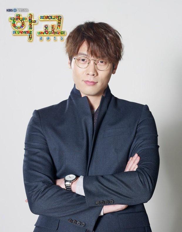 Tuyệt chiêu nâng tầm nhan sắc của mỹ nam Choi Daniel Gia Đình Là Số 1: Chỉ cần chiếc gọng kính và thế là bùm! - Ảnh 10.