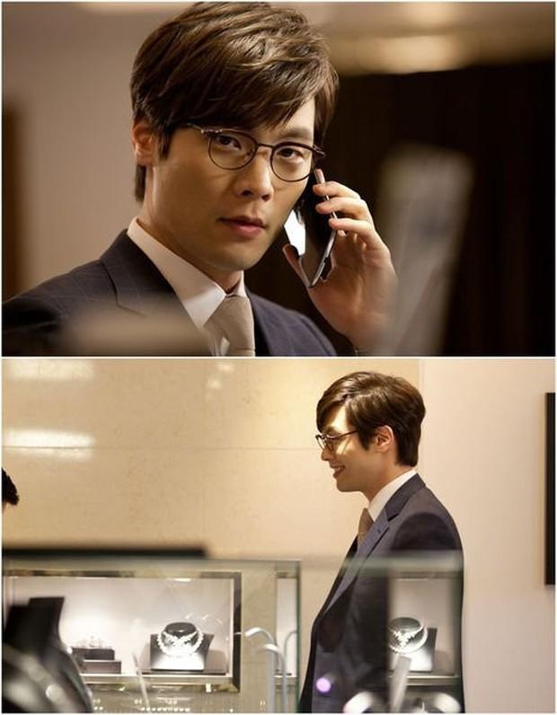 Tuyệt chiêu nâng tầm nhan sắc của mỹ nam Choi Daniel Gia Đình Là Số 1: Chỉ cần chiếc gọng kính và thế là bùm! - Ảnh 17.