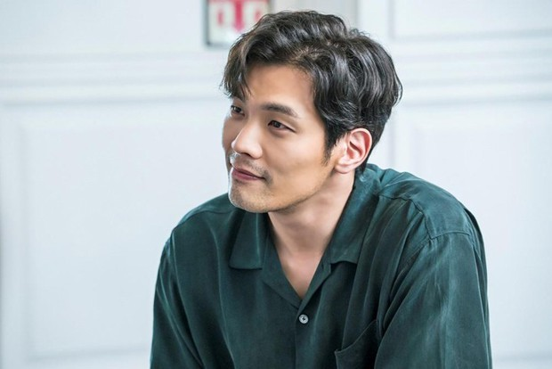 Tuyệt chiêu nâng tầm nhan sắc của mỹ nam Choi Daniel Gia Đình Là Số 1: Chỉ cần chiếc gọng kính và thế là bùm! - Ảnh 27.