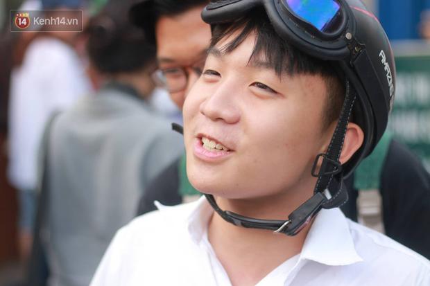 Bắt đầu kỳ thi vào lớp 10 các trường Chuyên lớn nhất Hà Nội và TPHCM: Thí sinh mệt mỏi vì nắng nóng - Ảnh 5.