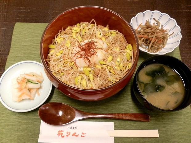 Bí mật thú vị của Ohori Onsen - loại giá đỗ dài hơn 2 gang tay: Trồng ở suối nước nóng, hơn 400.000 nghìn/kg - Ảnh 6.