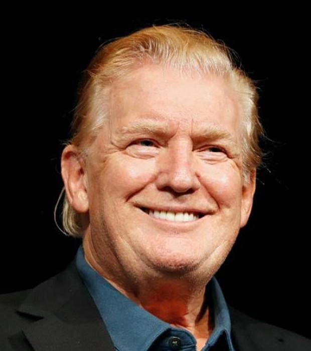 Đầu hè 2019, Tổng thống Trump bất ngờ xuất hiện với mái tóc mới khiến dân mạng xao xuyến - Ảnh 3.