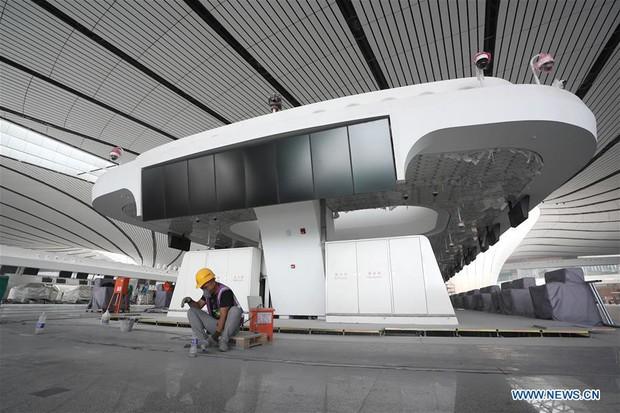 """Ná thở với sân bay """"sao biển"""" lớn nhất thế giới ở Trung Quốc, rộng bằng... 63 quảng trường Thiên An Môn, từ đầu nọ sang đầu kia dài cả cây số - Ảnh 13."""