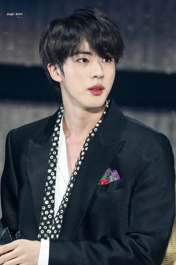 21 idol Hàn có khả năng rời xa showbiz vào năm sau vì nhập ngũ: Toàn nhóm nhạc quyền lực, EXO đặc biệt có tận 3 người - Ảnh 1.