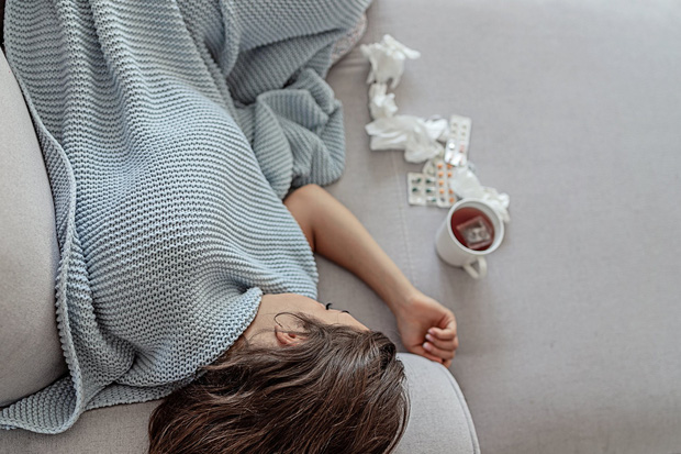 Sai lầm khi nghĩ sốt xuất huyết chỉ nguy hiểm cho trẻ em, nhiều người lớn để bệnh chuyển nặng hoặc thậm chí tử vong - Ảnh 3.