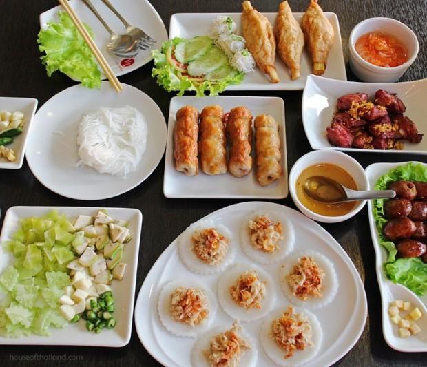 Ẩm thực Việt Nam ở Thái Lan: những món ăn an ủi tâm hồn rất balance và healthy - Ảnh 1.