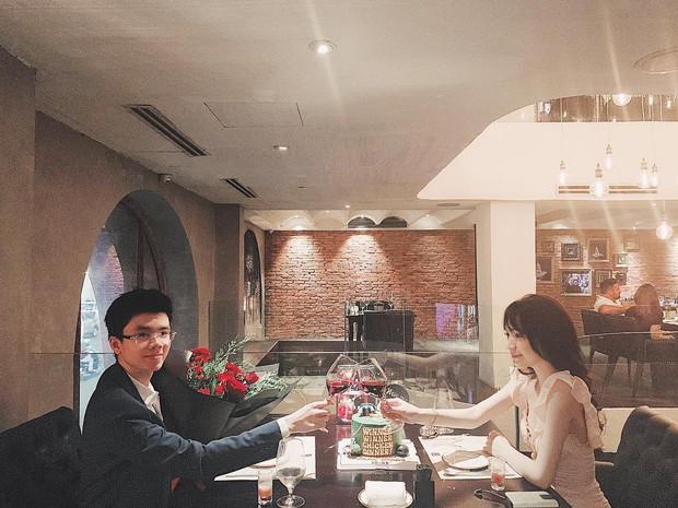 Couple yêu xa vượt biên giới: Hết Rich Kid bay ra Hà Nội để ship phở vào Sài Gòn đến không ngại test son sẵn cho bạn gái - Ảnh 6.