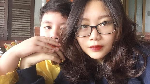 Cậu bé trong bức ảnh ôm chầm lấy chị gái sung sướng khi kết thúc kỳ thi THPT Quốc gia: Chị được điểm cao em cho hẳn 4 triệu! - Ảnh 6.
