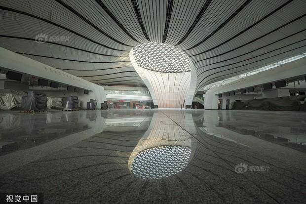"""Ná thở với sân bay """"sao biển"""" lớn nhất thế giới ở Trung Quốc, rộng bằng... 63 quảng trường Thiên An Môn, từ đầu nọ sang đầu kia dài cả cây số - Ảnh 10."""