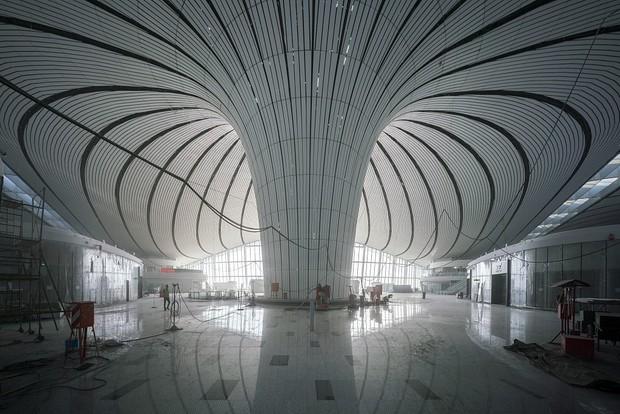 """Ná thở với sân bay """"sao biển"""" lớn nhất thế giới ở Trung Quốc, rộng bằng... 63 quảng trường Thiên An Môn, từ đầu nọ sang đầu kia dài cả cây số - Ảnh 8."""