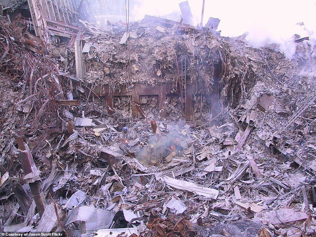 Cận cảnh quá trình xử lý hiện trường vụ khủng bố 11/9 - Ảnh 1.