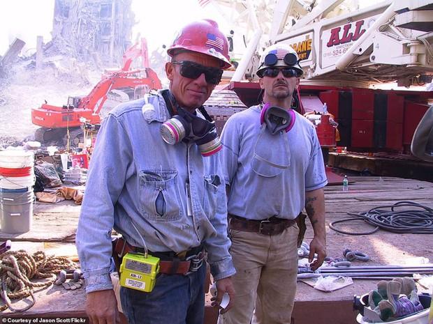 Cận cảnh quá trình xử lý hiện trường vụ khủng bố 11/9 - Ảnh 12.