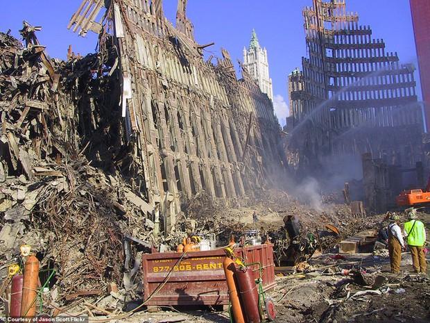 Cận cảnh quá trình xử lý hiện trường vụ khủng bố 11/9 - Ảnh 14.