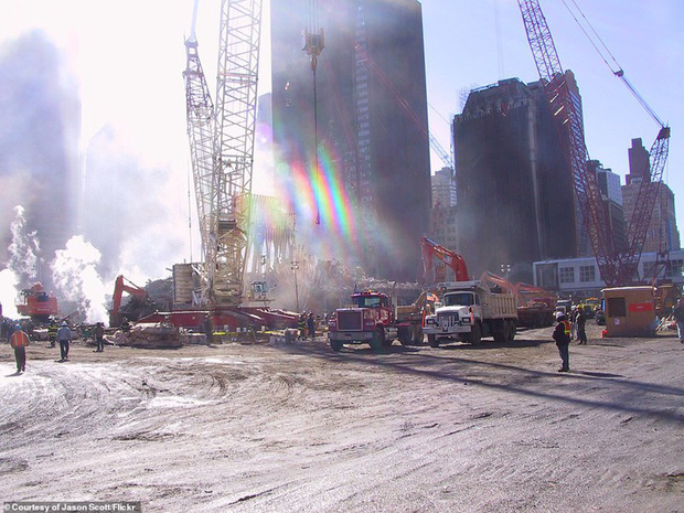 Cận cảnh quá trình xử lý hiện trường vụ khủng bố 11/9 - Ảnh 15.