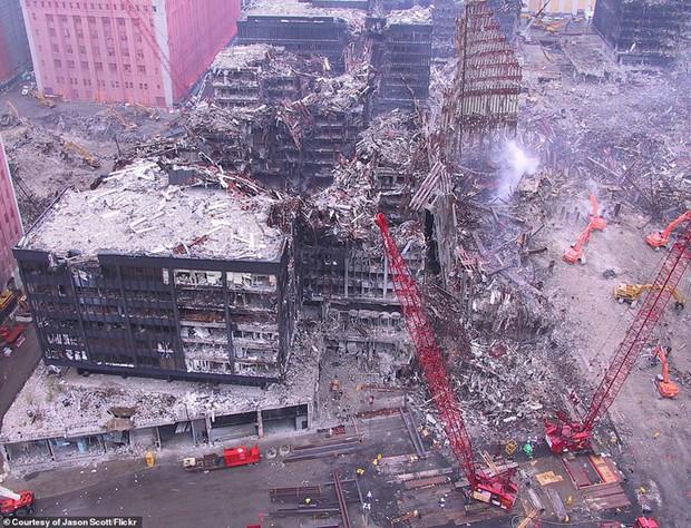Cận cảnh quá trình xử lý hiện trường vụ khủng bố 11/9 - Ảnh 4.