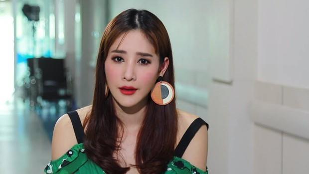 Dàn sao siêu phẩm Thái đang gây bão Chiếc lá bay: Toàn cực phẩm, mỹ nhân Friendzone đời tư gây sốc, nữ phụ tự tử - Ảnh 38.