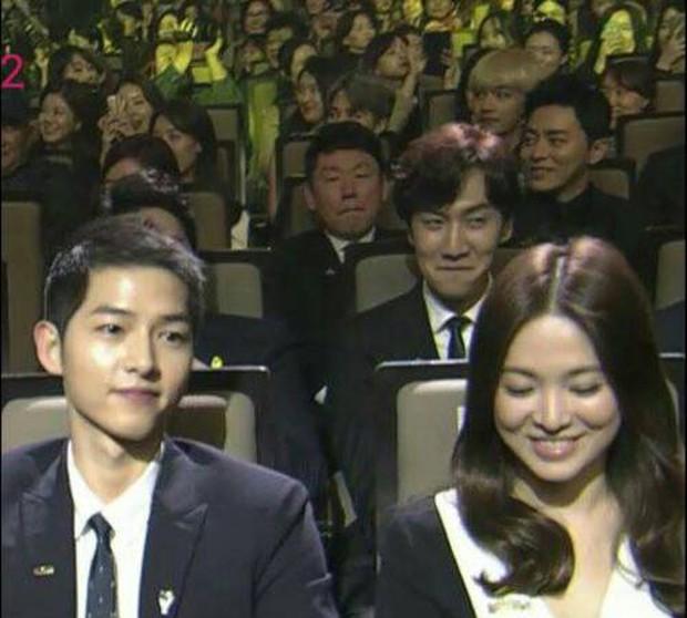3 tài tử thân Song Song nhất gây chú ý sau tin ly dị: Park Bo Gum buộc phải lên tiếng, còn Yoo Ah In và Lee Kwang Soo? - Ảnh 13.