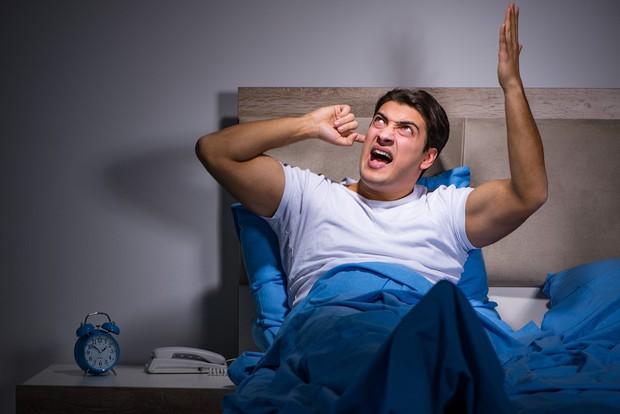 Nghiên cứu cho biết: phòng ngủ nhiều tiếng ồn sẽ tăng nguy cơ vô sinh ở nam giới - Ảnh 1.