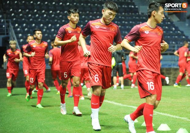 Xuân Trường, Công Phượng cởi bỏ áp lực xuất ngoại, hoà nhập nhanh cùng tuyển Việt Nam trước trận quyết đấu Thái Lan - Ảnh 1.