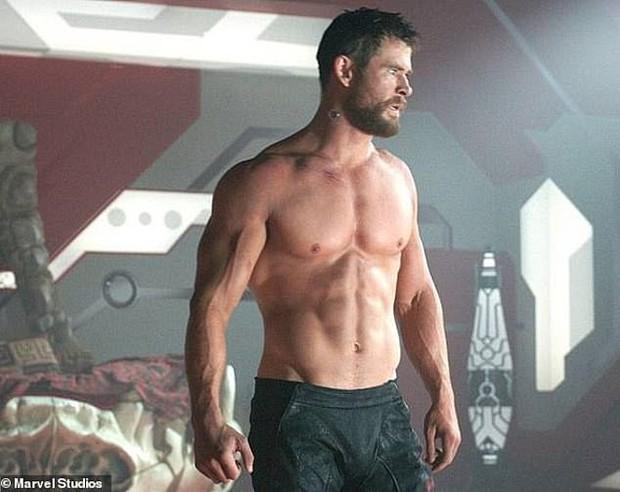 Có body tuyệt tác khiến hàng triệu người mê, Thor Chris Hemsworth lại bị người quan trọng nhất chê là phát ớn - Ảnh 1.
