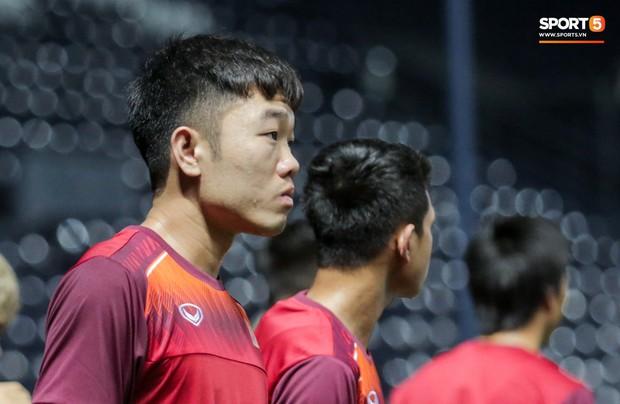 Xuân Trường, Công Phượng cởi bỏ áp lực xuất ngoại, hoà nhập nhanh cùng tuyển Việt Nam trước trận quyết đấu Thái Lan - Ảnh 5.