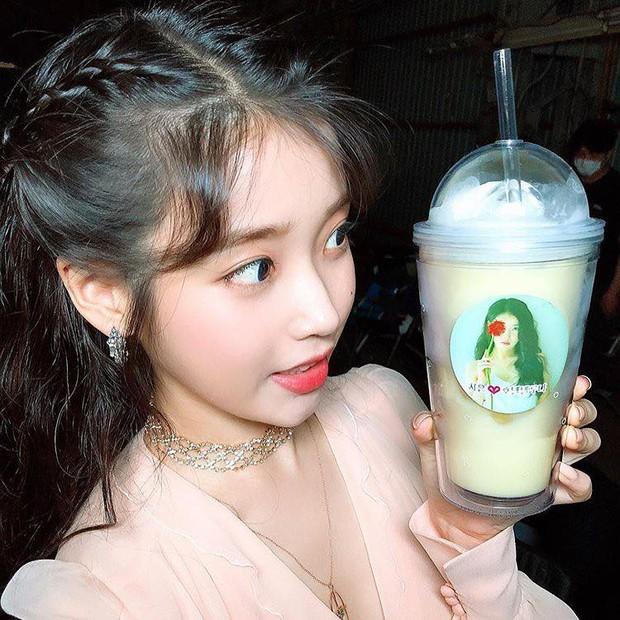 Em gái quốc dân có fangirl khủng nhất xứ Hàn: Hết Song Song dự concert, lại được Song Hye Kyo tặng quà đặc biệt - Ảnh 2.