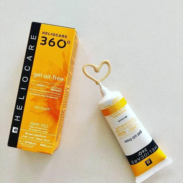 Để da chóng hồi phục sau nặn mụn hoặc trị liệu laser, bạn sẽ cần đến 7 loại kem chống nắng lành tính, hỗ trợ làm khỏe da này - Ảnh 7.