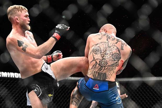 Khủng như tay đấm người Mỹ này: Bị gãy tay, vẫn đánh cho đối thủ thua đến mức phải giải nghệ - Ảnh 5.