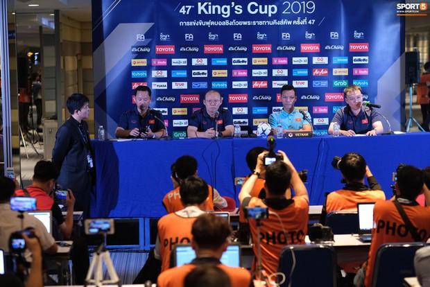 HLV Park Hang-seo phản biện khi bị báo Thái hiểu nhầm khinh thường King's Cup - Ảnh 3.