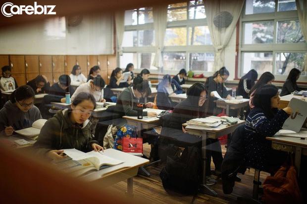 Mặt trái vị trí số 1 thế giới của nền giáo dục Hàn Quốc: Tỷ lệ học sinh tự tử cao nhất toàn cầu - Ảnh 2.