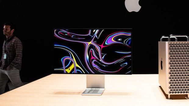 Góc hút máu: Chân đế màn hình độc quyền Apple giá 23 triệu, chẳng làm được gì ngoài một thứ lom dom - Ảnh 2.