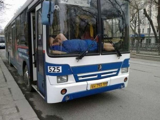 Có những kiểu người dùng cả tuổi thanh xuân để ngủ, đi khắp năm châu bốn bể nơi đâu cũng có thể là một chiếc giường êm ái - Ảnh 12.