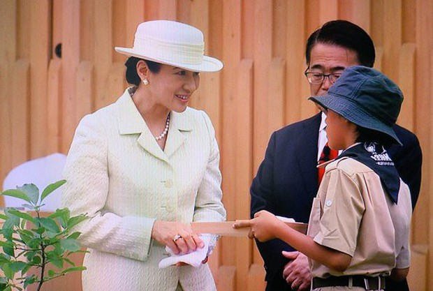 Truyền thông Nhật Bản lại phát sốt với Hoàng hậu Masako qua màn thể hiện hoàn hảo, xuất chúng của bà trong 2 ngày liên tiếp tham dự sự kiện - Ảnh 6.