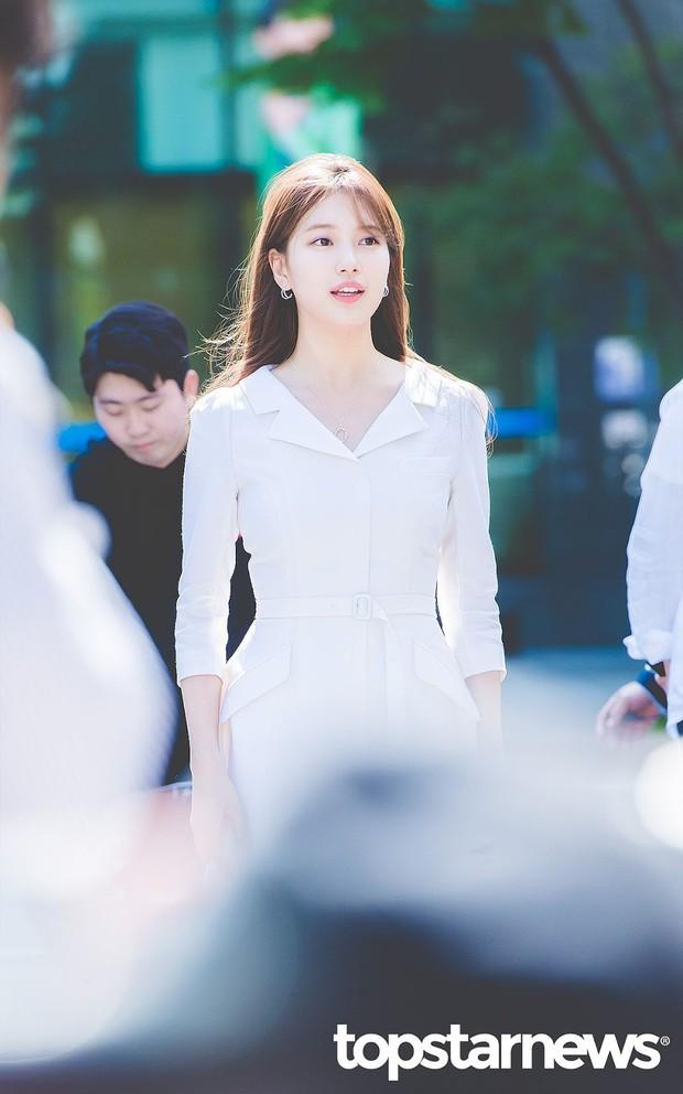 Lâu lắm rồi mới đụng hàng với Yoona, nữ thần Suzy được khen hết lời nhưng liệu có đánh bật được đối thủ? - Ảnh 1.