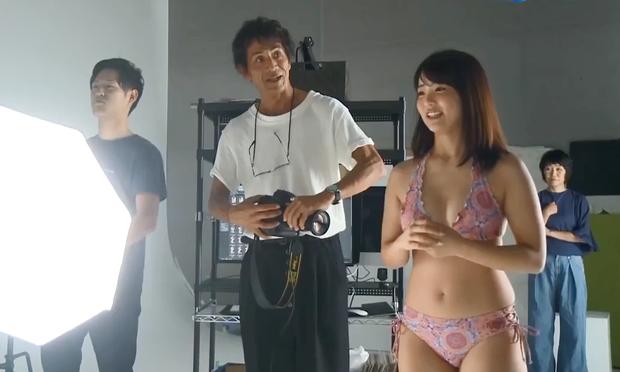 Show thực tế Việt gây ồn ào vì cho thí sinh mặc đồ, tạo dáng quá gợi cảm trên truyền hình - Ảnh 2.