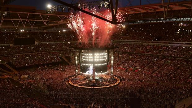 Đừng lo nghĩ về việc BTS hay Taylor Swift sold-out Wembley nữa, đây mới là chúa tể thực sự của thánh địa này! - Ảnh 1.